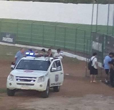 Árbitro necesitó escolta policial para retirarse