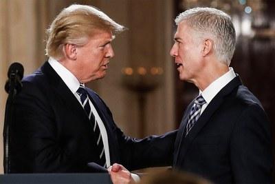 """Nominado de Trump para el Supremo se compromete a ser """"fiel"""" a leyes de EEUU"""