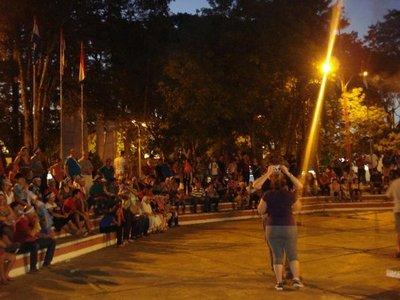 Villarrica: Ciudadanos se movilizan contra tarifazo