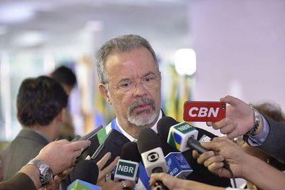 """Brasil quiere Itaipú como """"contragarantía"""" para vender aviones de guerra a Paraguay"""