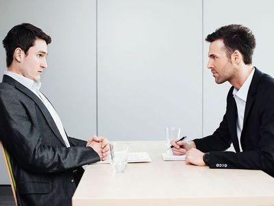 Qué decir cuando el entrevistador te pida que hables de ti mismo