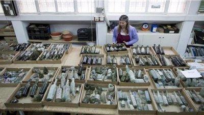 Hallan cientos de botellas de alcohol de la I Guerra Mundial