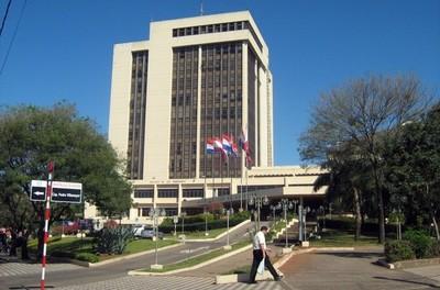 Algo huele mal en la licitación para la tercerización  de catastro en Asunción