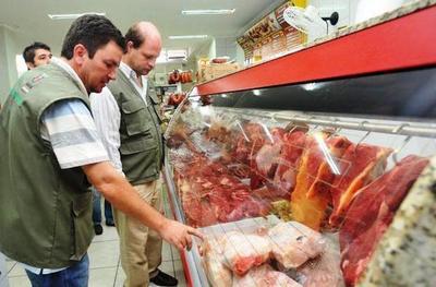 Brasil: Se desploman ventas de carne, pollos y derivados