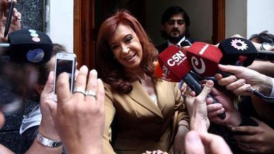"""Cristina de Kirchner irá a juicio oral por la causa """"dólar futuro"""""""