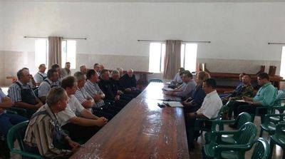 Ministro del Interior y fuerzas de seguridad se reunieron con colonos de Manitobá
