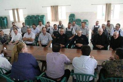 Menonitas dicen que no abandonarán el país