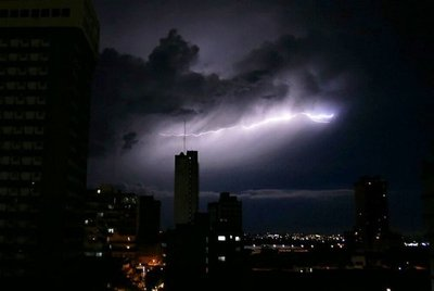 Anuncian tormentas para 7 departamentos