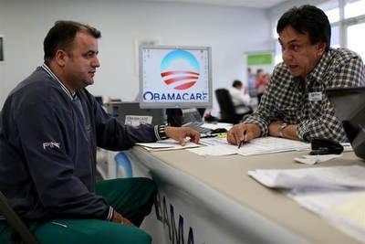 Republicanos tratan de reagruparse tras debacle por reforma al Obamacare