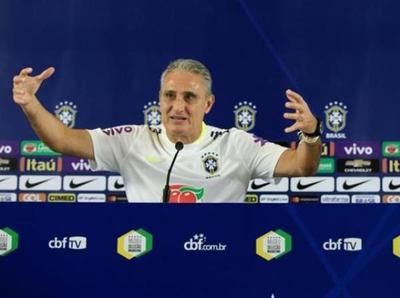 El entrenador brasileño tiene el once confirmado