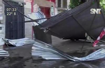 Aparatoso accidente sólo deja daños materiales