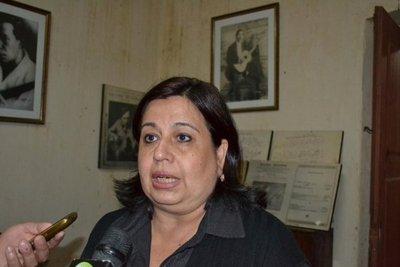 Esperanza Martínez, en desacuerdo con la suspensión de la sesión