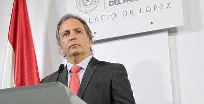 Cárdenas desafía a Efraín a mostrar documentos