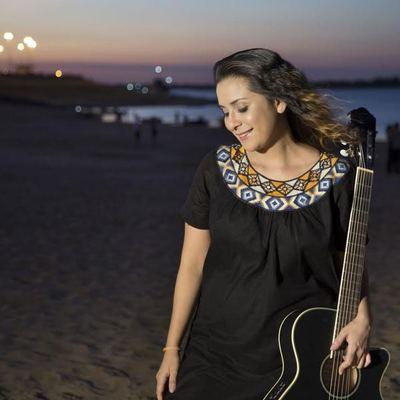 """María Rios lanza """"Cantando al Sol"""""""