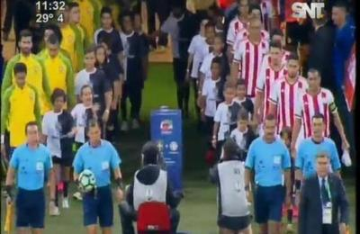 Brasil derrota con categoría a Paraguay