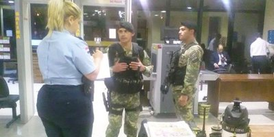 Expertos reprochan a Cartes por envío de militares al Senado