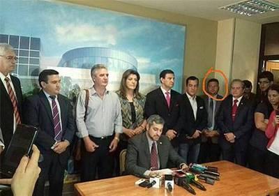 Abogados metidos en la estafa de 50 mil millones, defienden a Acevedo y cía