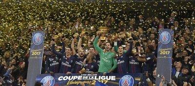 El PSG golea y es campeón de la Copa de la Liga