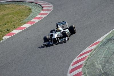 Mercedes busca vengarse de Ferrari en el GP de China