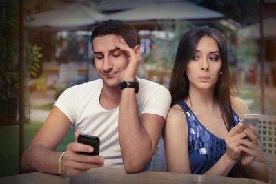 Cómo afecta WhatsApp a tu relación de pareja