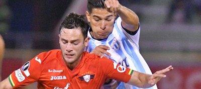 Wilstermann toma la punta y el Atlético Tucumán sufre