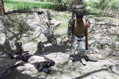 Afganistán afirma que hay 94 muertos del EI por bombardeo de EE.UU.