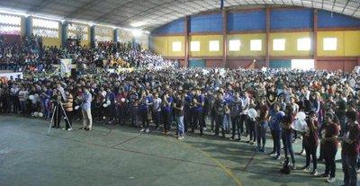 Más de 3.000 participantes de Pascua Joven piden paz para el Paraguay