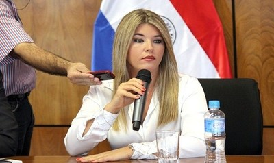Cynthia Tarragó envuelta en nuevo escrache