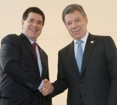 Santos visita el país y se reunirá con Cartes