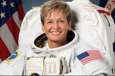 Astronauta bate récord de tiempo en el espacio