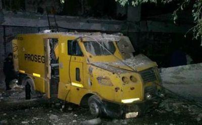 Afirman que asaltantes dejaron billetes guaraníes