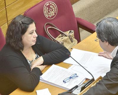 FG reflotará proyectos de  más impuestos al tabaco