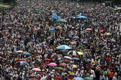 Dos fallecidos durante plantón opositor en Venezuela
