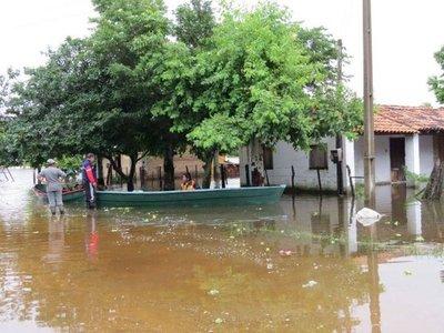 Lluvias afectan a familias y ganado en Villa Florida