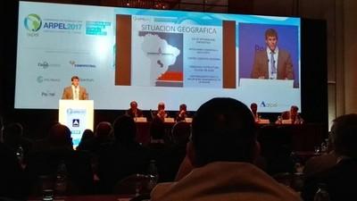 Presentan en Uruguay oferta paraguaya para invertir en hidrocarburos