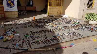 Ferretería del crimen: ¡pillaron 500 estoques!