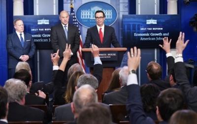 Trump decreta histórica rebaja de impuestos