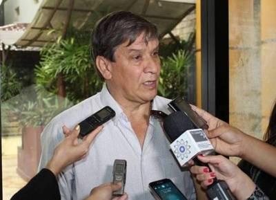 """Pakova confirma que Lugo le pidió que apoye la enmienda: """"No está bien lo que está haciendo"""""""