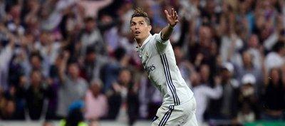 Cristiano supera a Di Stéfano con su triplete en semifinales