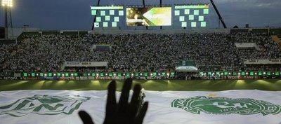 Nacional-Chapecoense, un duelo marcado por el dolor