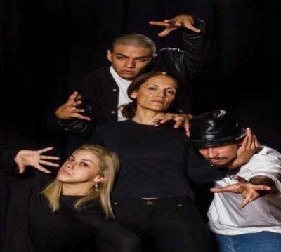 Obra de Colombino llega en versión de teatro y hip hop