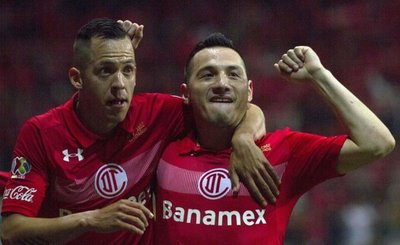 Tigres y Toluca, a semifinales