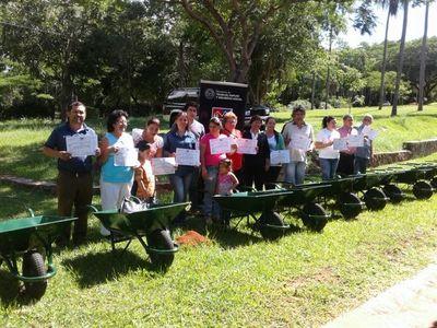 Instruirán a unas 630 personas de áreas rurales