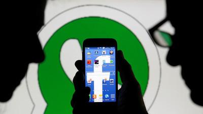 Multan a Facebook por engañar en la compra de WhatsApp