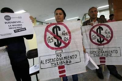 Diputados insta a la Municipalidad a rescindir contrato con Parxin