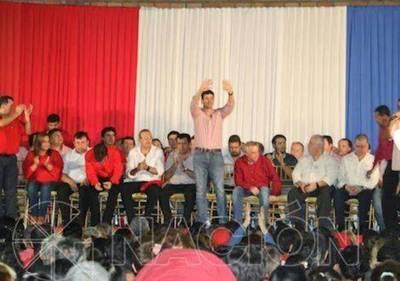 Santiago Peña propone hacer a un lado agresiones en el terreno político