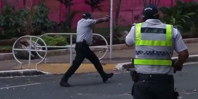 Investigan a policías que dispararon a manifestantes