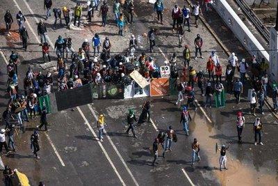 Al menos 36 heridos en marcha opositora en Caracas