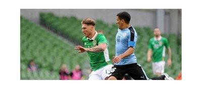 Irlanda hace fuerte en casa y se impone ante Uruguay