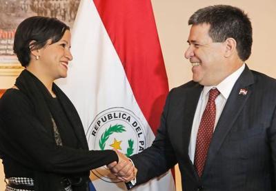 Lea Giménez es la primera mujer ministra de Hacienda